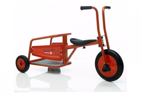 Tricycle Linea Promo Pompier (Fire Truck) rouge, robuste, compact et maniable par vos enfants chez Distri Buggy